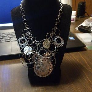 Jewelry - Silvertone elephant necklace